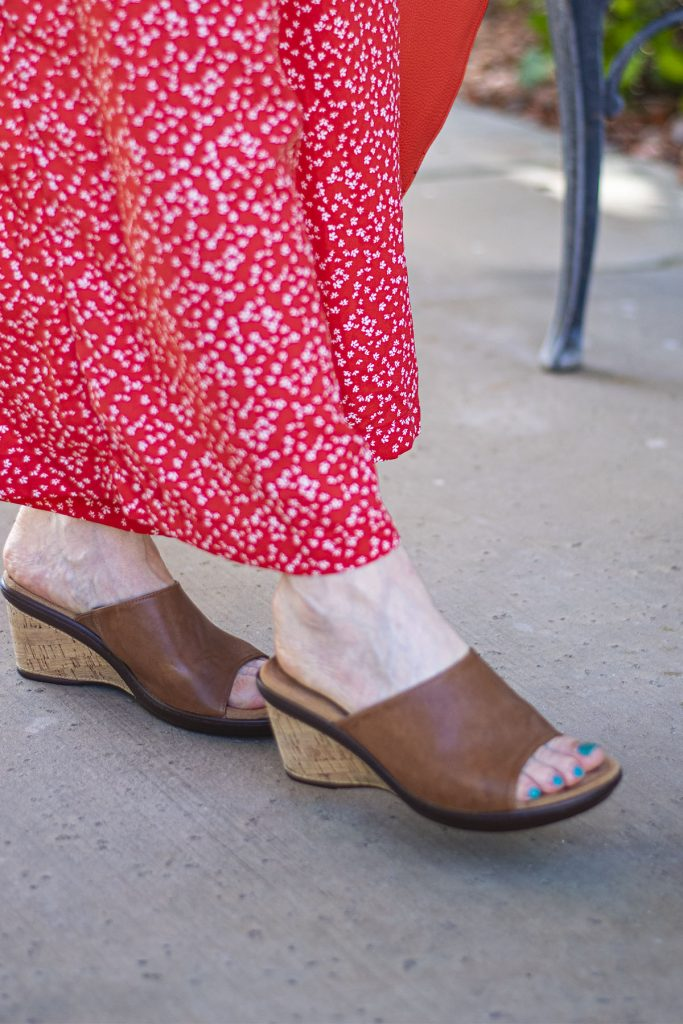 Neutral wedges for summer