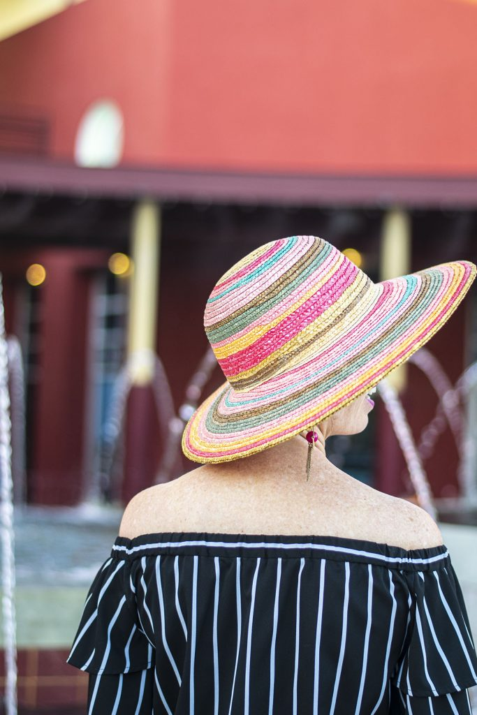 Flattering colors with a hat