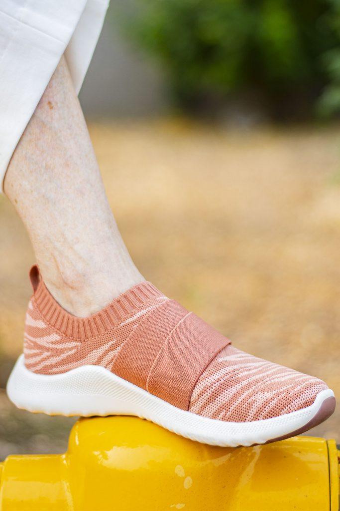 Aetrex sneakers that fit like leggings