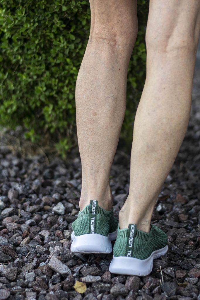 Tiosebon stylish walking shoes