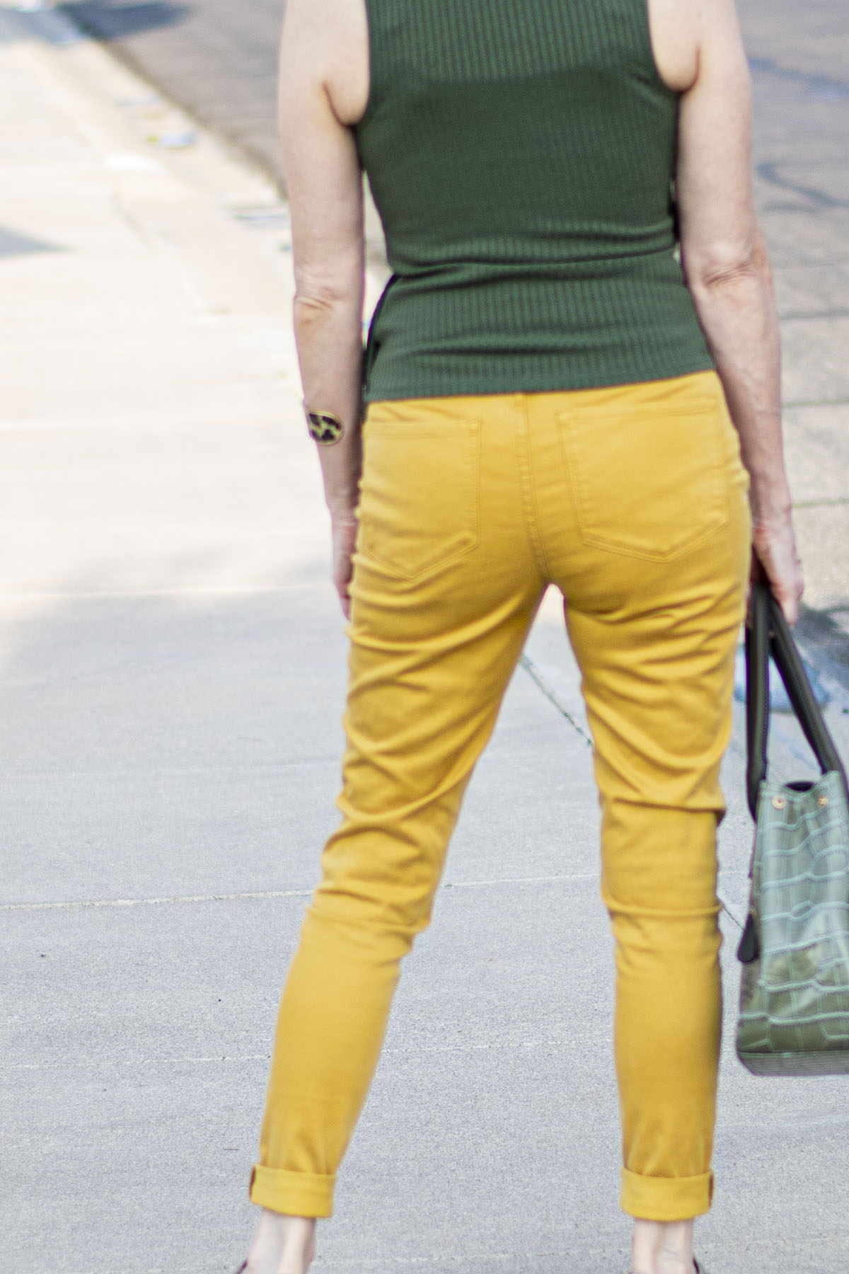 5 Colorful Ways to Wear Mustard Yellow Jeans