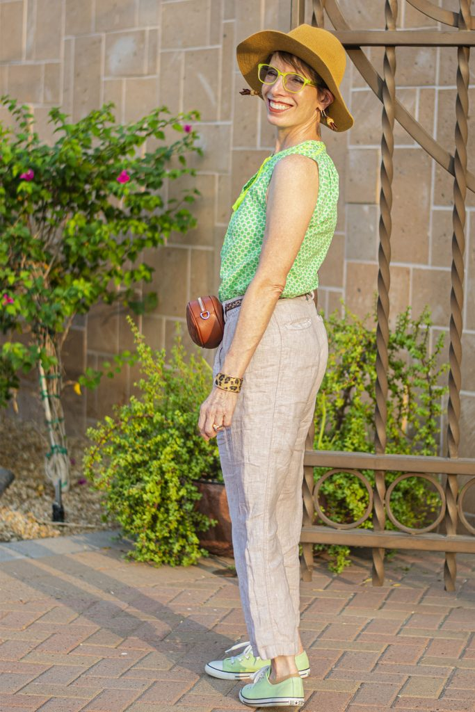 Combining print in a warm skin tone clothes color outfit
