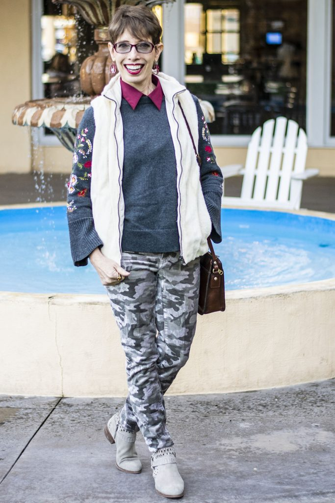 Print mix outfit for what goes with camo pants