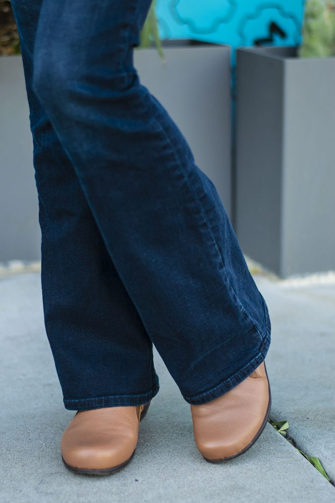 Rounded toe shoes and how to look stylish wearing them