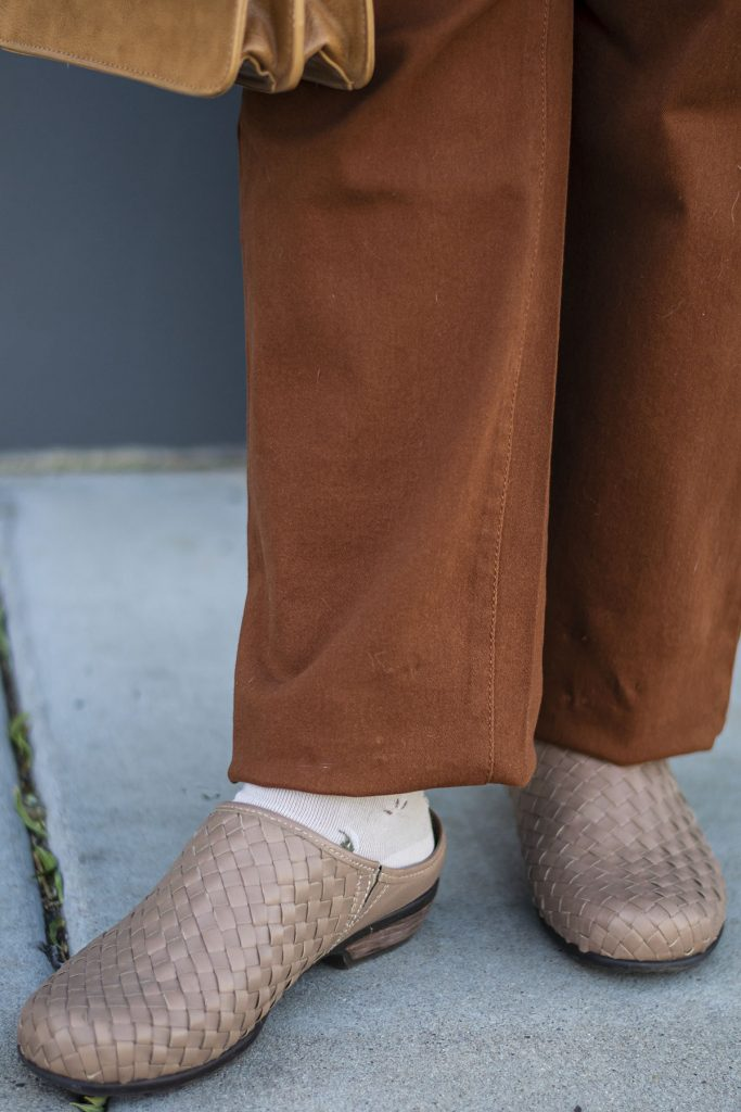 Mules with pants