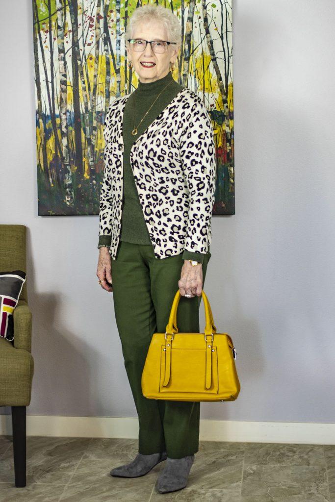 Adding a pop of color with a handbag color