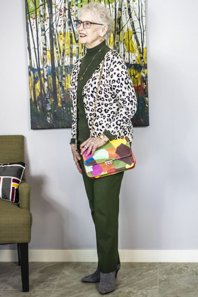 Mixing prints with a purse