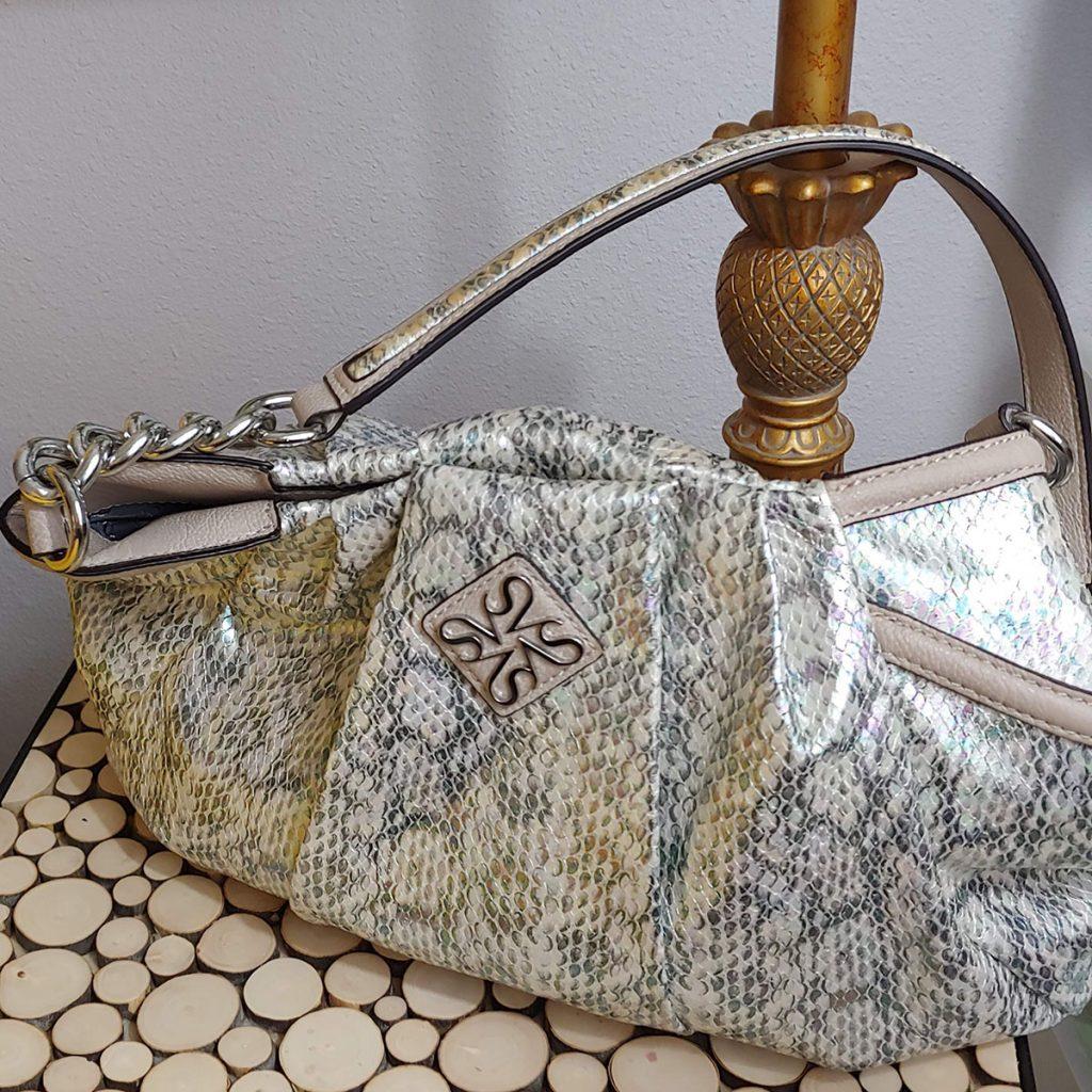 Neutral print purse