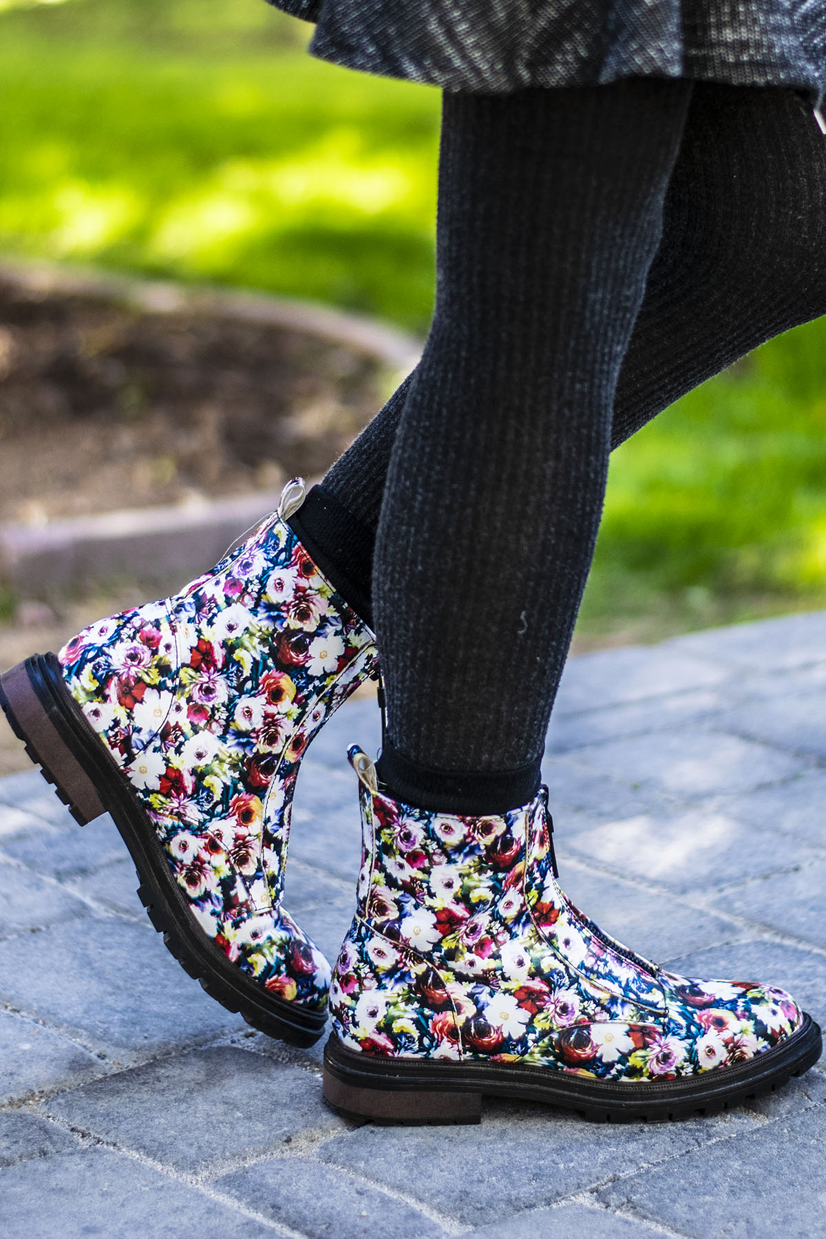 Exploration of 5 Ways of How to Wear Combat Boots