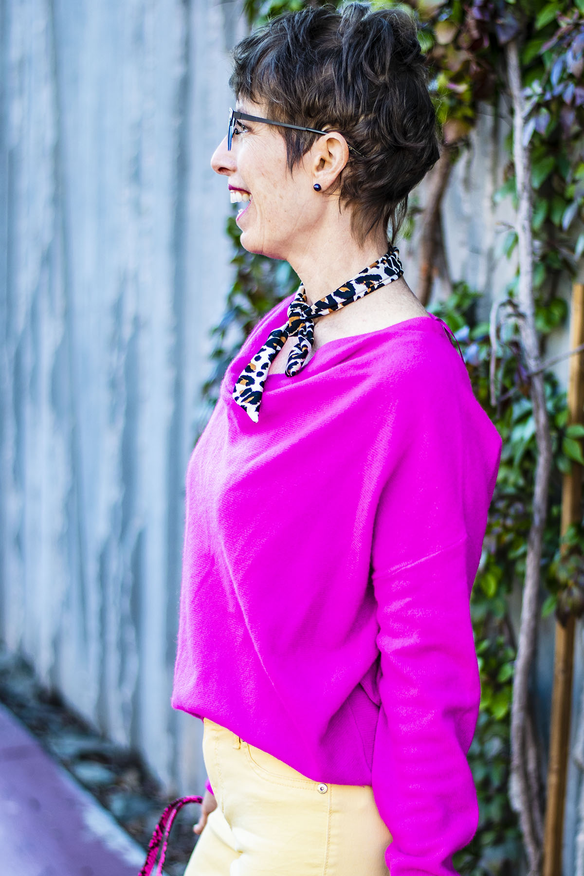 Reliable Ideas for a Neon Pink Sweater Outfit