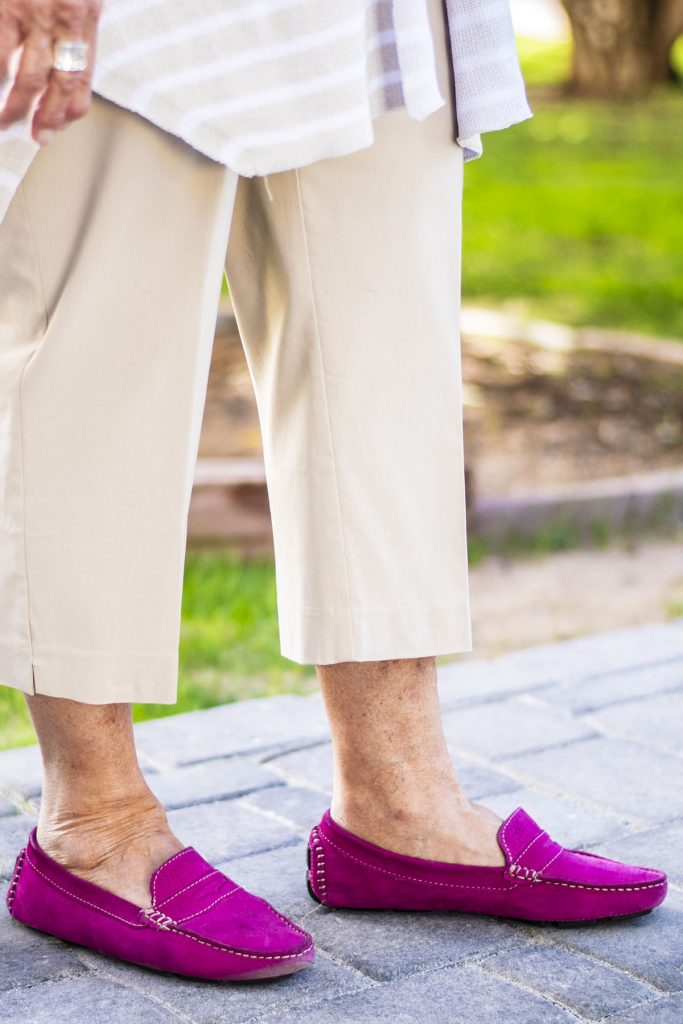 Driving shoes as option of shoes to wear with cropped pants