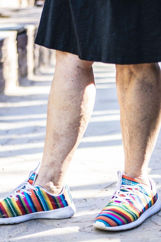 Yes we vibe print sneakers