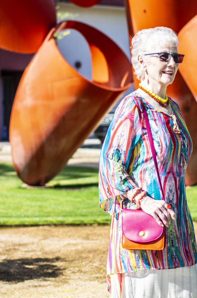 How to wear a tunic with color
