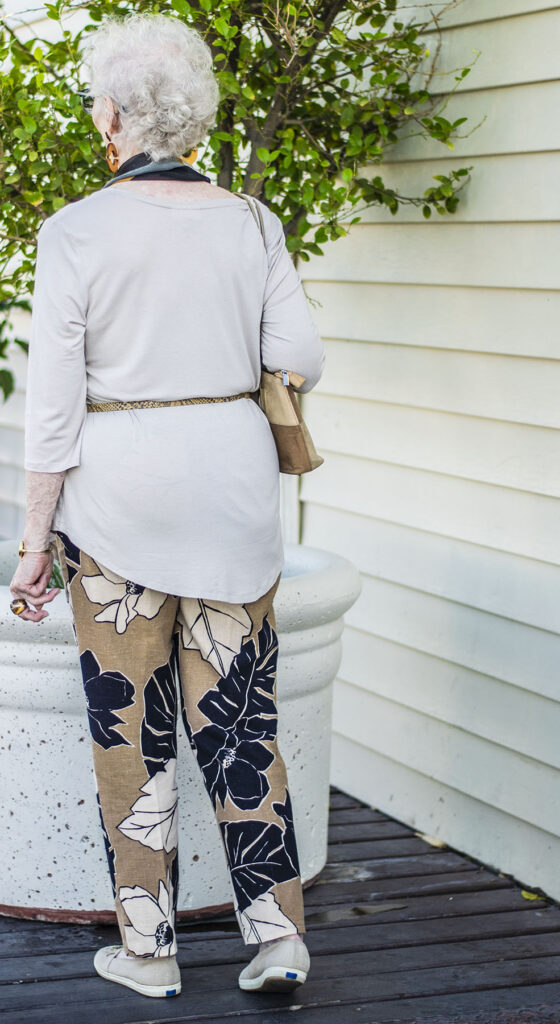 How to wear print pants at age 80