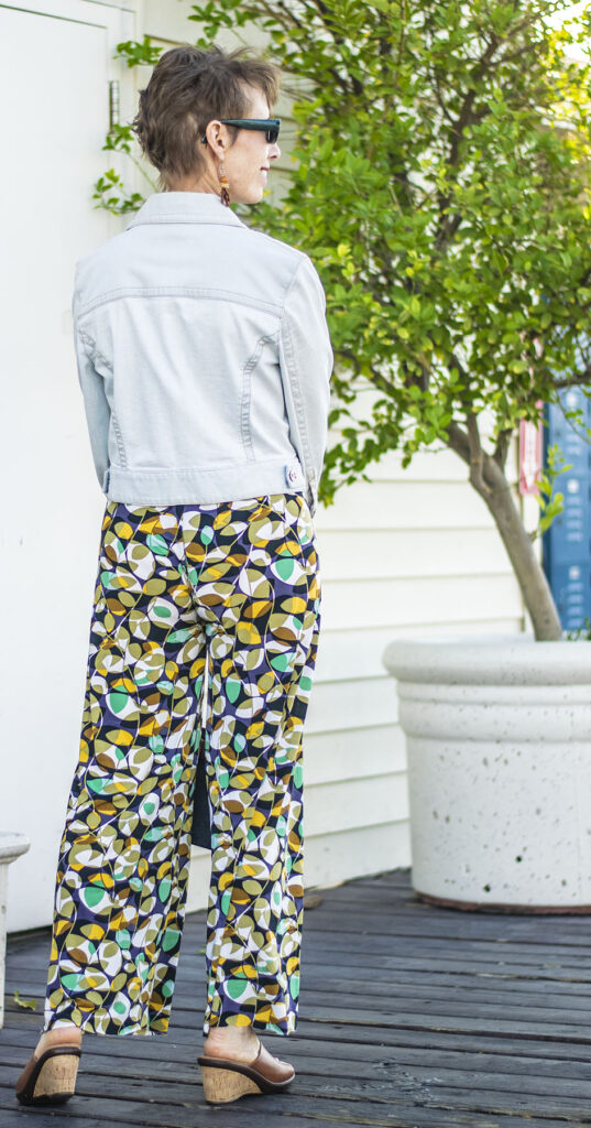 How to wear print pants for fun