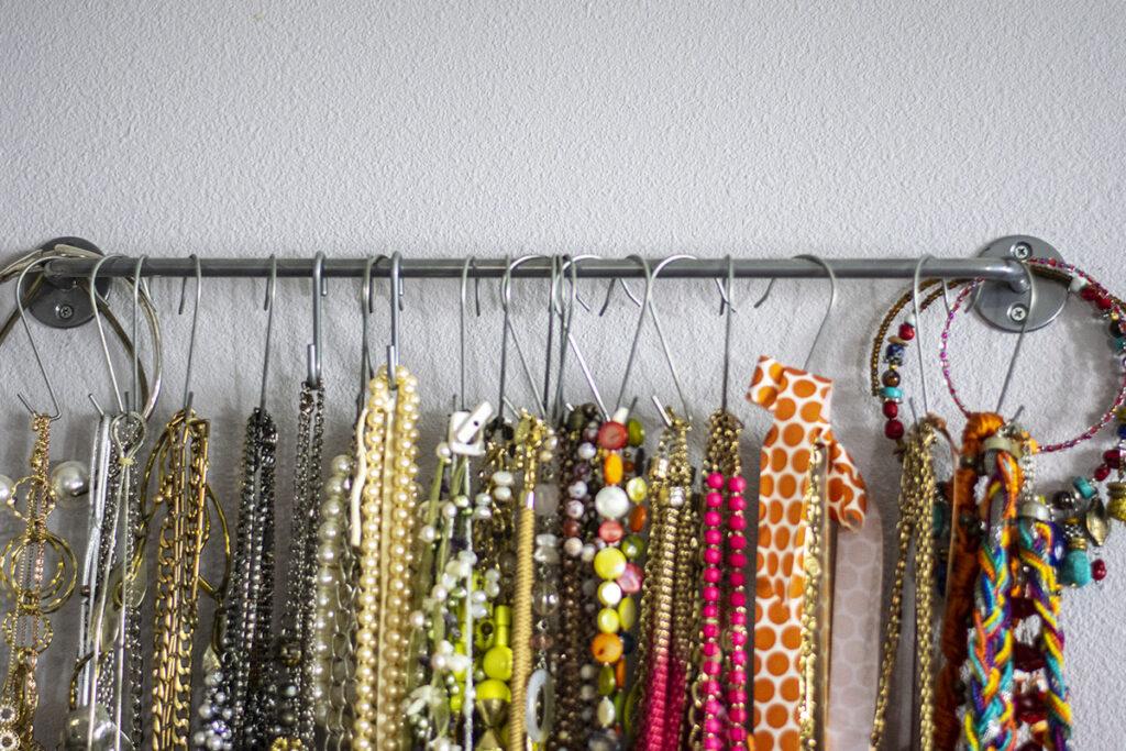 Creative organizing jewelry ideas