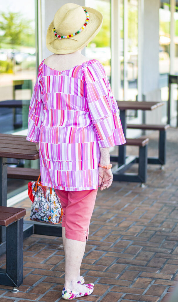 Staying cool by wearing bright colors