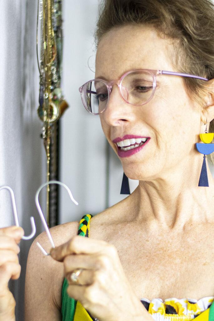 Organizing jewelry ideas with s hooks
