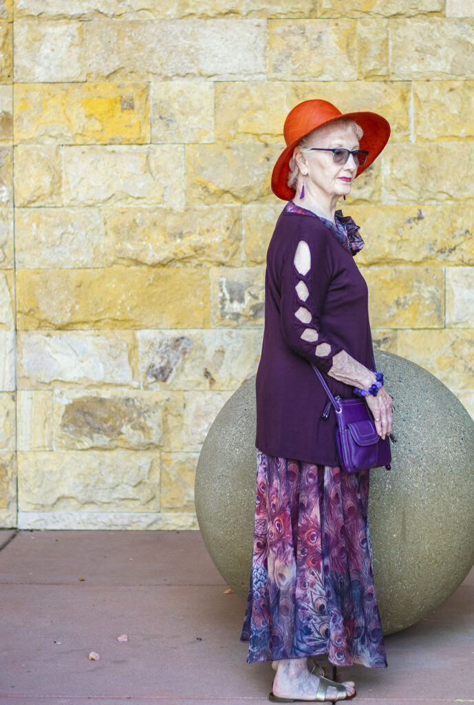 Creative outfit: what to wear to a class reunion