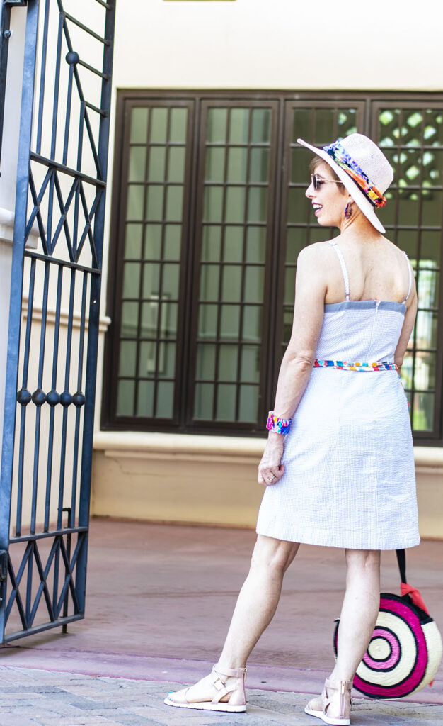 How to add color to your wardrobe with accessories