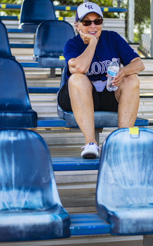 What to wear to a sporting event for watching baseball