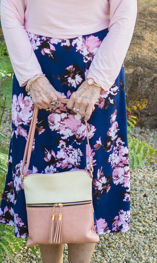 Pink purse outfit