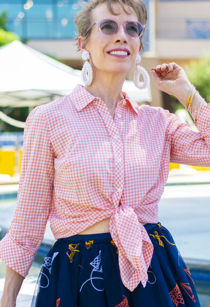 Gingham tied blouse with tulle
