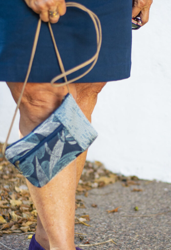Blue print purse