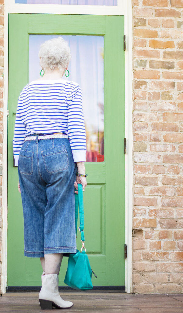 Women over 80 and how to wear culottes