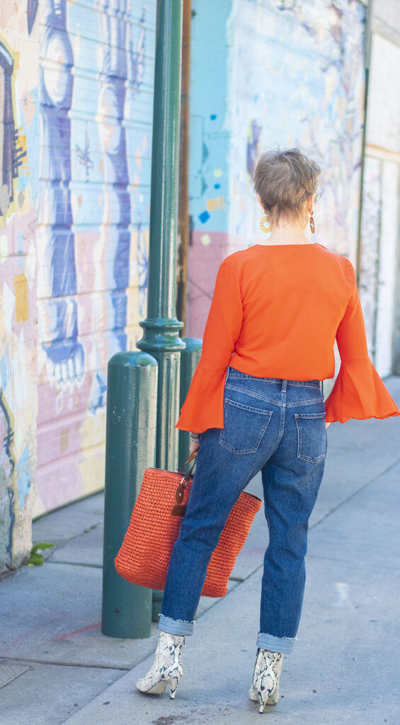 Flare sleeves and boyfriend jeans