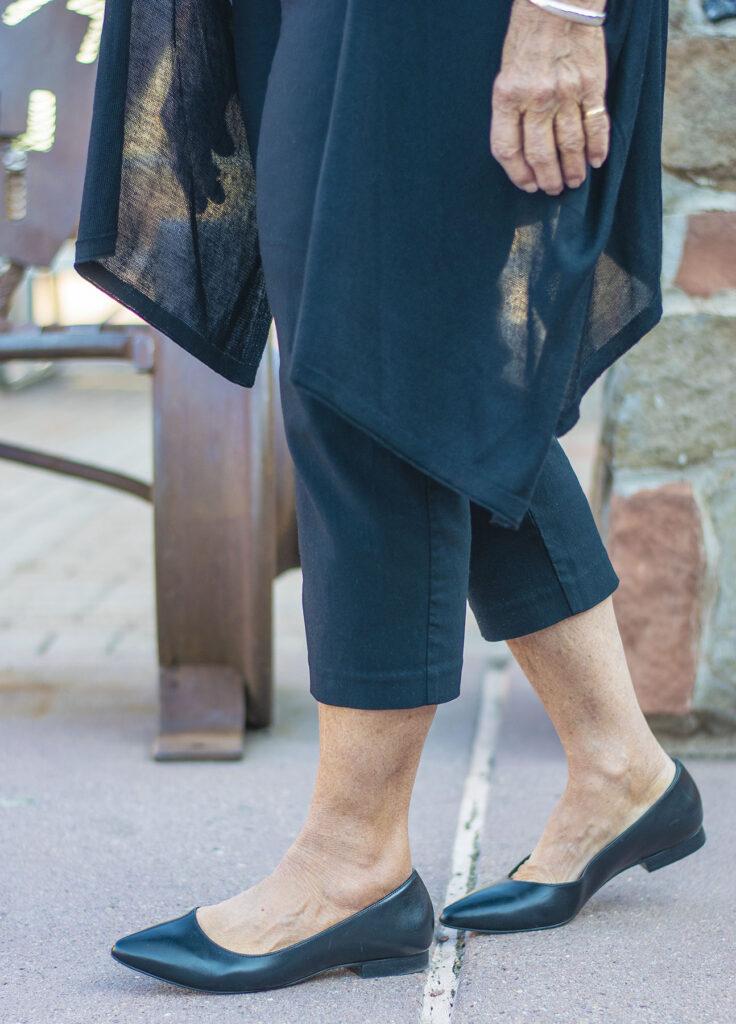 Walking Cradles black flats for women